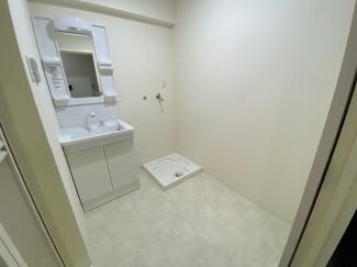 新品の洗面化粧台です♪シャワー水栓で使い勝手もいいですね(^^)ぜひ現地でご確認ください(^^)お気軽にネクストホープ不動産販売までお問い合わせを!!