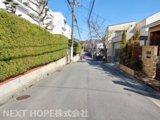 マンション前面道路です♪静かな住宅地です!!