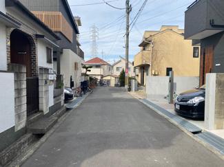 前面道路は南西側に公道幅員4.8mです♪静かな住宅街です(^^)
