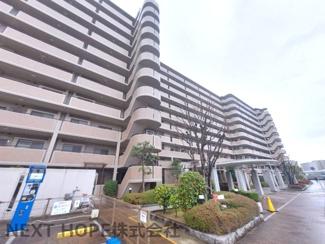 【ルネ伊丹ガーデンスクエア】地上11階建 総戸数2240戸 ご紹介のお部屋は3階部分です♪室内全面リフォーム済みの素敵な室内です(^^)