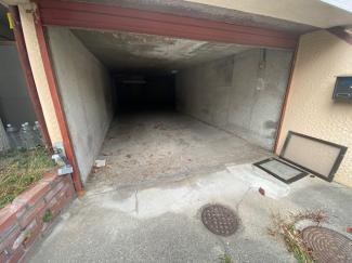 1階シャッター付駐車場です♪2台分可能です!(高さは1.5mまで)