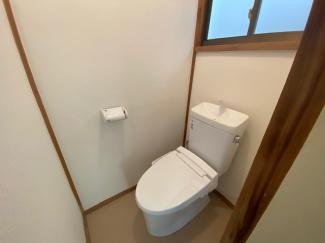 トイレは温水洗浄便座です♪