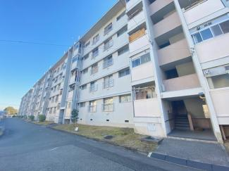【東仁川団地4号棟】地上5階建 ご紹介のお部屋は4階部分です♪