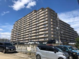 【シャルマンコーポ伊丹】地上13階 総戸数318戸 ご紹介のお部屋は6階部分です♪リフォーム済み!即ご内覧していただけます(^^)