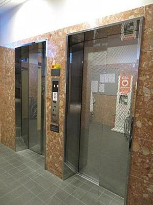 エレベーターが2基あるので混み合う時間にも心強いですね。
