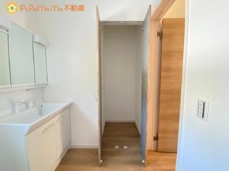 脱衣洗面所に設置した収納スペースです!タオルやパジャマなどおけますね♪