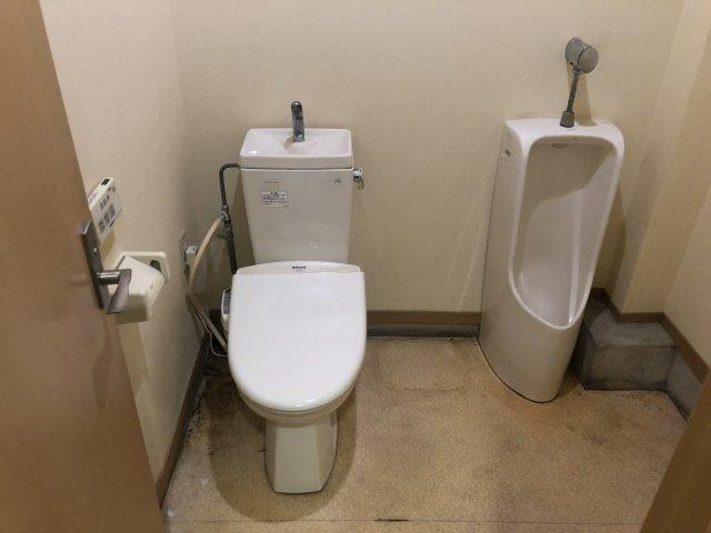 男女共同トイレです。洋式トイレは嬉しいポイントです。