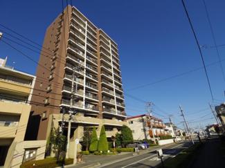 総戸数89戸、平成18年2月築、新規リフォームを行った南向きの住戸です
