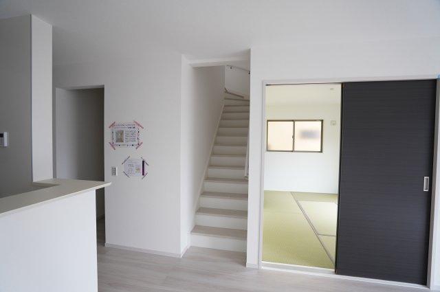 リビングイン階段があります 同仕様施工例