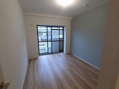 6.0帖の洋室は主寝室にいかがでしょうか。