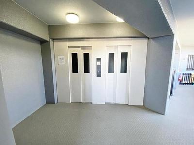 お部屋への上り下りが便利なエレベーター付きです。