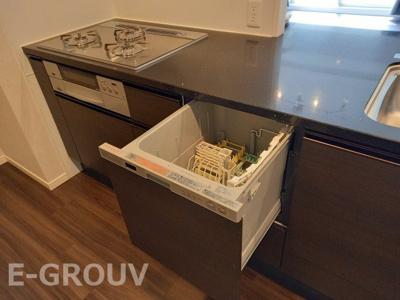 家事に嬉しい食器洗い乾燥機付きのキッチンです!