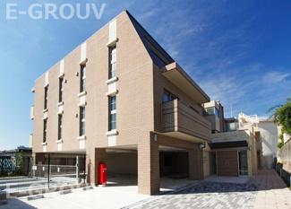 2016年完成の築浅物件です。本山第二小学校・本山中学校。充実設備のマンションです。