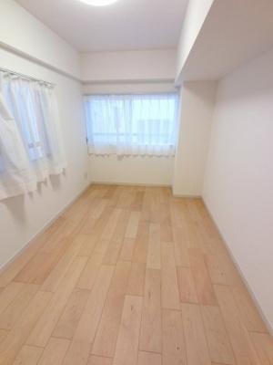6.4帖の洋室は主寝室にいかがでしょうか。