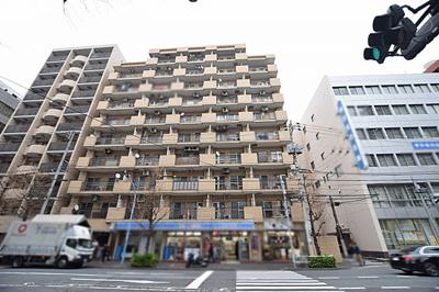 東京メトロ有楽町線「江戸川橋」駅徒歩約3分。