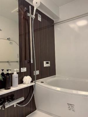 雨の日でもお洗濯物が乾かせる浴室乾燥機付のバスルームです。