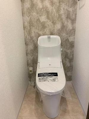 温水洗浄便座付きのトイレで気持ち良くお使いいただけます。