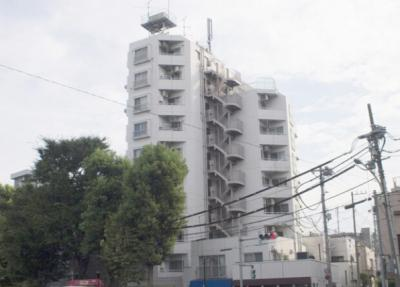 総戸数26戸、鉄骨鉄筋コンクリート造10階建、新耐震基準マンションです。