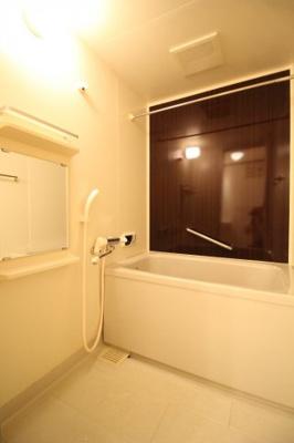 【浴室】コンブリオアダチ