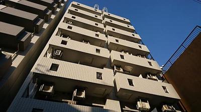 鉄骨鉄筋コンクリート造9階建です。