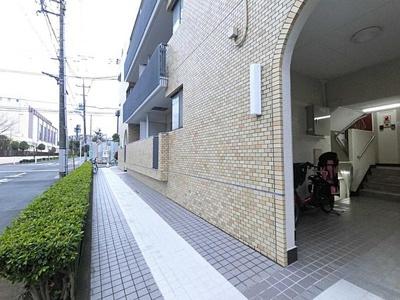 徒歩5分圏内に教育施設が揃い子育てに優しい環境。