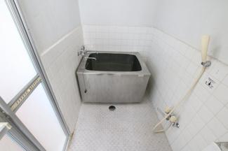 コンフォート竜泉 お風呂・洗面台・トイレは同じスペースにあります ※写真は同タイプのお部屋です