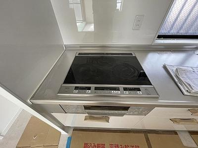 人にも環境にも優しいオール電化住宅。火を使わないIHコンロを採用しています。