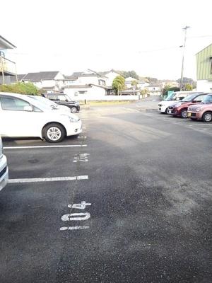 【駐車場】メゾネットラフィーネ
