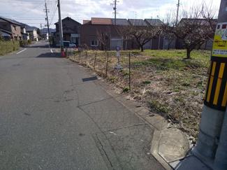 【前面道路含む現地写真】56461 岐阜市上土居土地