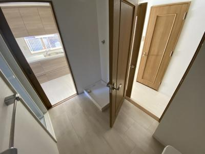 室内(2020年12月)撮影 洗面室は便利な2Way仕様♪風通りも、家事動線も良好です!