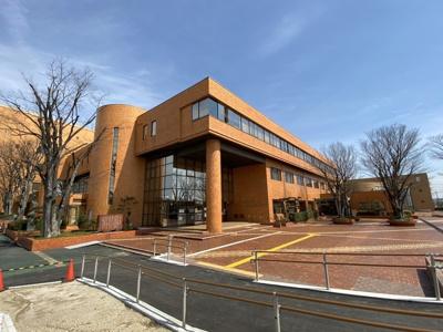 東郷町民会館と図書館