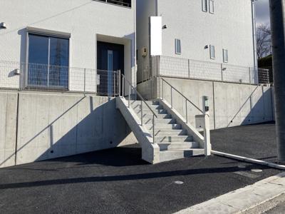 並列2台駐車が可能です