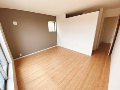 (同仕様写真)2号棟と3号棟は主寝室にWICを確保しています!