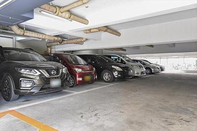 駐車場の最新の利用状況詳細はお問い合わせ下さい。