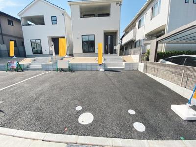 駐車2台分悠々スペース確保!家族のぬくもりを感じる陽だまりの住まい!ぜひ一度、現地をご覧ください!