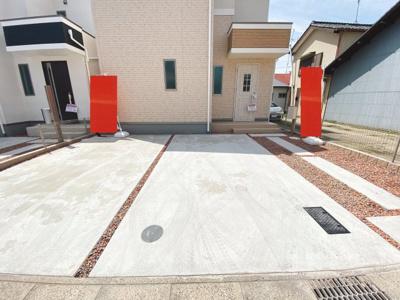 並列2台駐車が可能