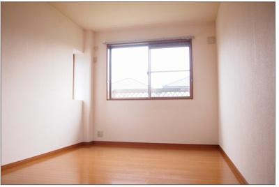 開放的な寝室です 【COCO SMILE ココスマイル】
