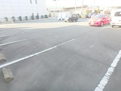 【駐車場】M・シュルプリーズ ドゥ