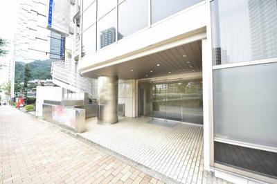 【エントランス】新神戸ビルディング