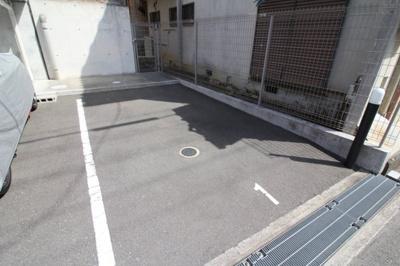 【駐車場】ベルキューブ