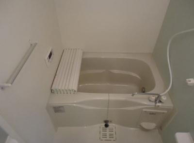 追い焚き給湯&浴室乾燥機付きのお風呂♪