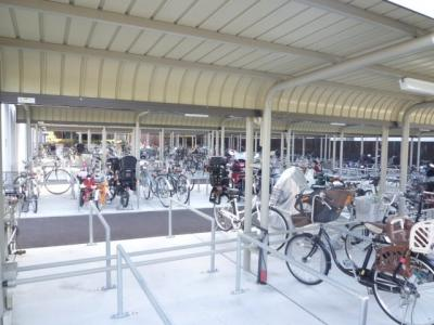 駐輪場、バイク置場