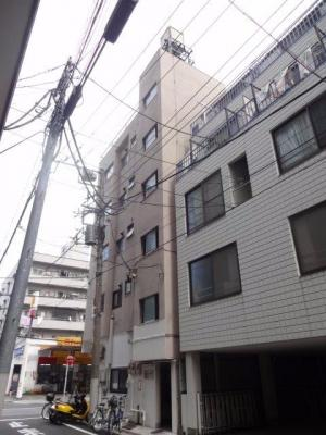 コンフォート竜泉 鉄筋コンクリートの5階建てマンション。三ノ輪駅から徒歩6分・入谷駅から徒歩7分の好