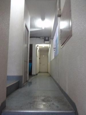 コンフォート竜泉 共用廊下