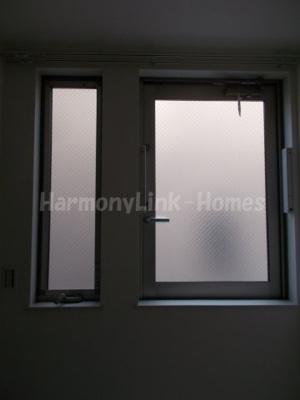 ハーモニーテラス八幡山の窓