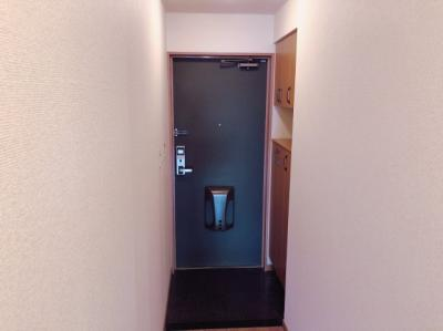 玄関です 【COCO SMILE ココスマイル】