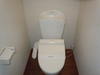 一人暮らしにはうれしい、バス・トイレ独立タイプ。