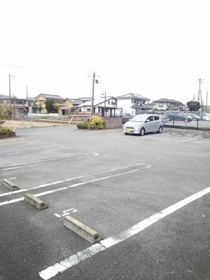 【駐車場】ジョリ・レーヌ