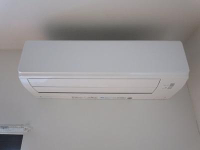 エアコン室内に計3台付いています。