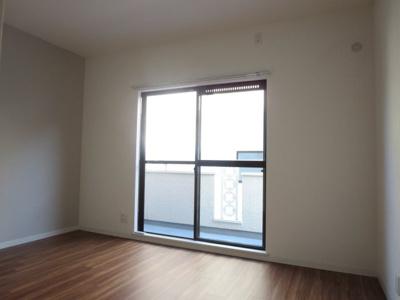 2階6.8帖洋室